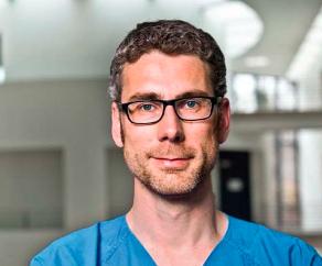 Associate Professor Hans-Dirk Duengen