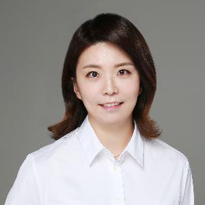 Assistant Professor Yoo Ri Kim