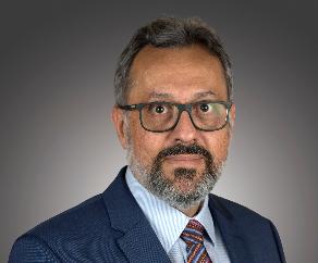 Associate Professor Marcus Vinicius Simoes